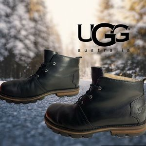UGG chukka black leather w/fur interior